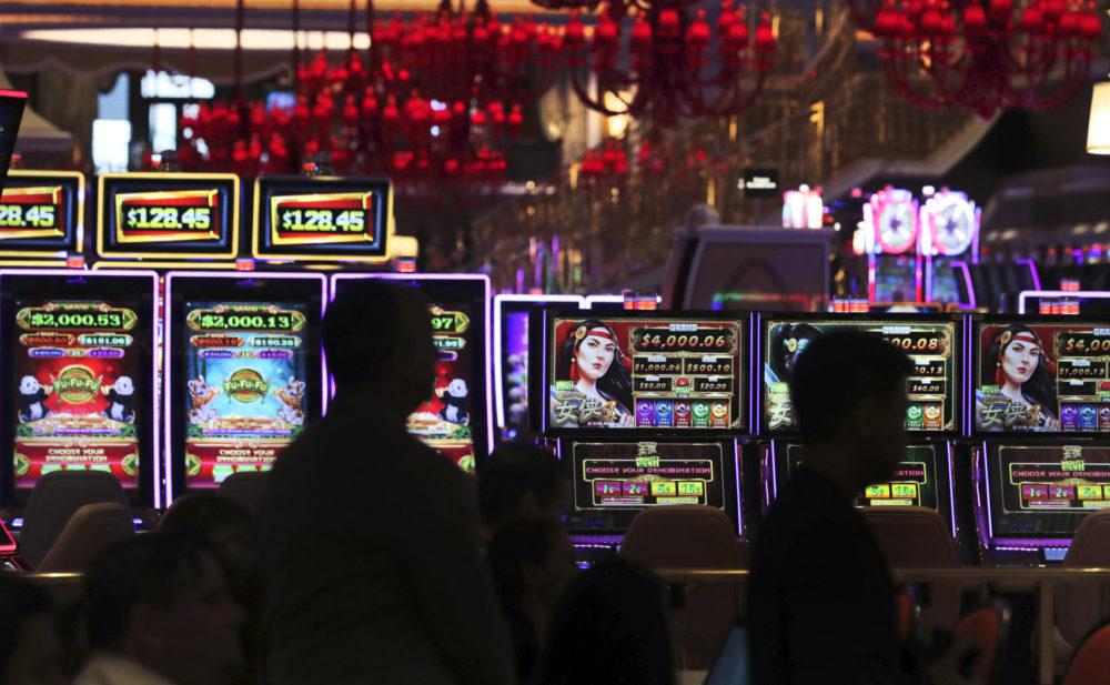 Игровые автоматы где играют знаменитости календарь азартных игр, как выиграть в игровые аппараты